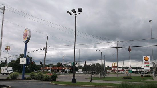 Hubbard, OH: Du stationnement