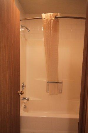 Greenville, IL: Whirlpool Suite Bathroom