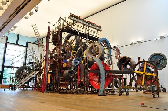 Museo Jean Tinguely: Grosse Méta Maxi Maxi Utopia