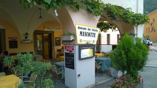 Bissone, Suiza: Pergola des Rest. Pizzeria Mascotte