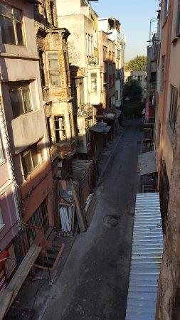 Blue Istanbul Hotel: Vue de ma chambre. côté droit