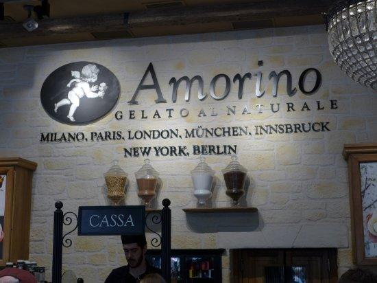 スペインのお店かと思ったら、ミラノに本店があるジェラード屋でした。