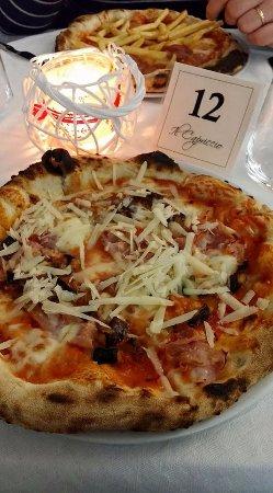 Sant'Ilario dello Ionio, Italy: Pizza