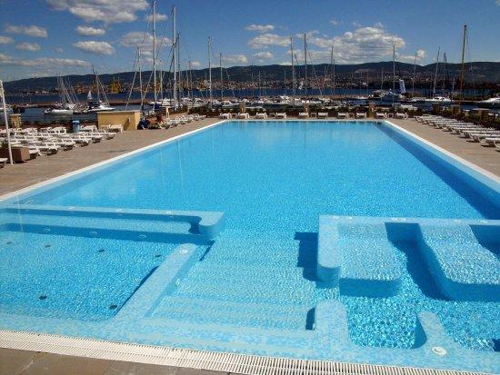 Hotel san rocco bewertungen fotos preisvergleich for Swimming pool preisvergleich