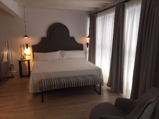 Hom sevilla updated 2018 apartment reviews price for Appart hotel seville