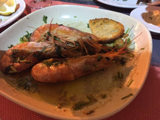Ferreiras, Portugal: Jumbo shrimps in a garlic sous