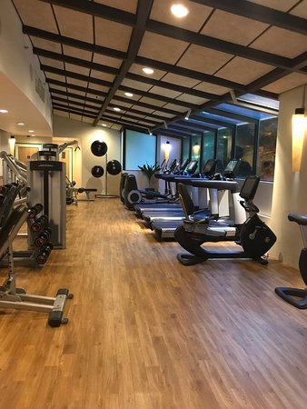 Shangri-La's Rasa Sentosa Resort & Spa: Gym