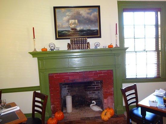 Princess Anne, MD: Washington Inn Dining Room