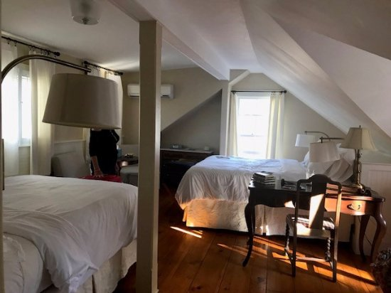 Oak Bluffs Inn: Inside view of Room 9