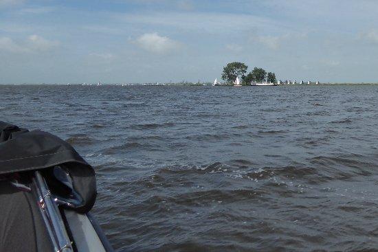 Friesland Province, The Netherlands: Mit dem Boot unterwegs auf dem Sneeker Meer