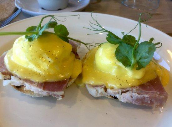 Blagdon, UK: Eggs bendict