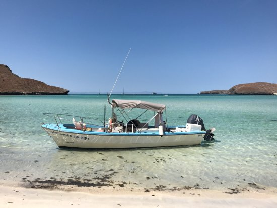 Todos Santos, Mexico: The boat we spent the day in and our lunchtime vista