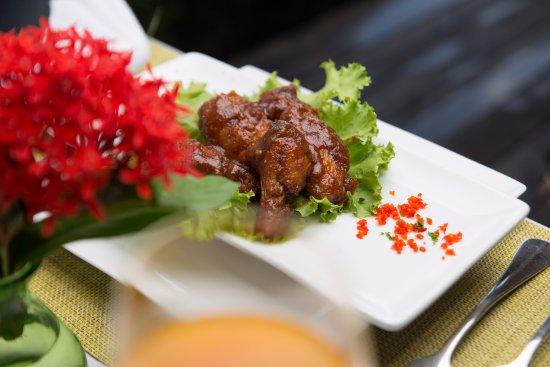 Petite Calivigny, เกรนาดา: Tamarind BBQ wings