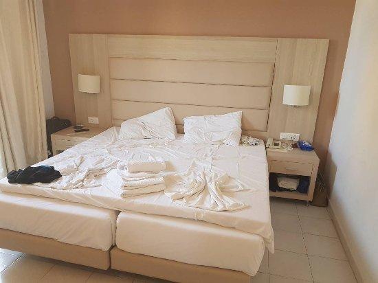 Africa Hotel: IMG-013612271392a7997524f7274204919c-V_large.jpg