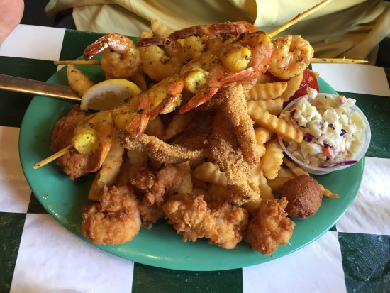photo5.jpg - Picture of Doc's Seafood Shack and Oyster Bar ...