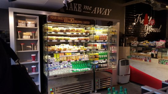 Frigo picture of costa coffee london tripadvisor for Frigo restaurant
