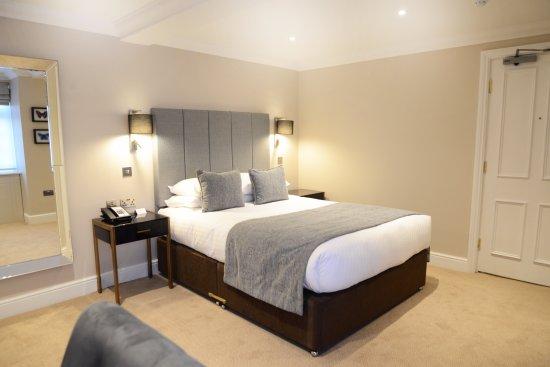 Oatlands Park Hotel Afternoon Tea Review