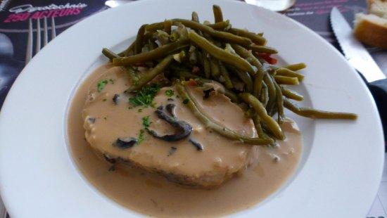 Jussac, Francia: Veau aux champignons