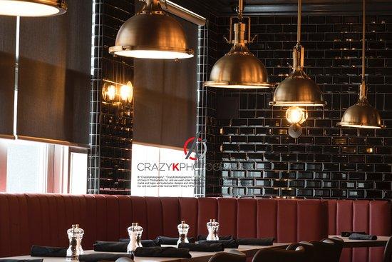 Woodbridge, Canada: New Bar area seating