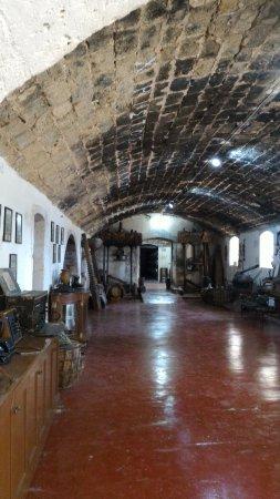 Holy Trinity Monastery (Agia Triada): passage- corridoio