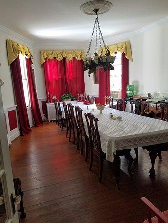 Orange, فيرجينيا: Dining room