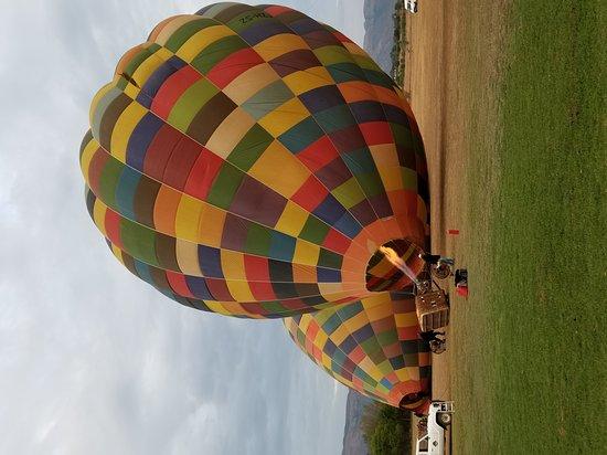 Bill Harrop's Original Balloon Safaris: 20171002_060014_large.jpg