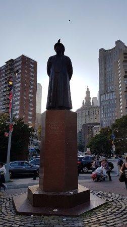 Chinatown: Estatua de bienvenida.