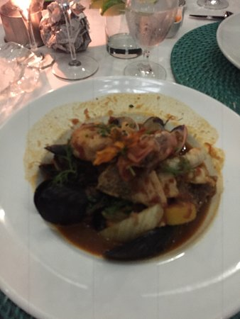 Beach House : Seafood Bouillabaisse