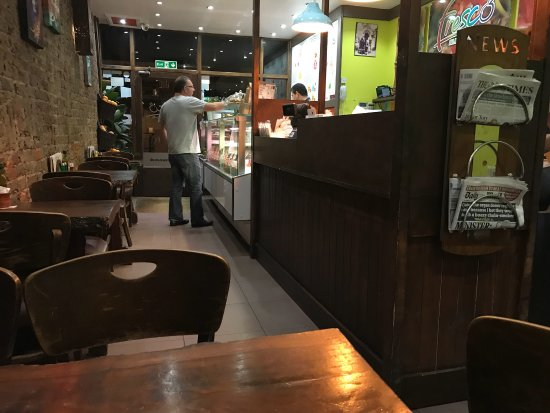 Fresco, Fresh Juices and Lebanese Cuisine: The best juice, vegetable and meat restaurant in W2 I visit twice a week! All fresh and cooked f