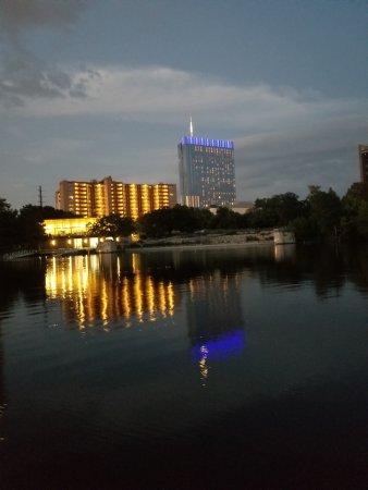 Capital Cruises: Austin skyline