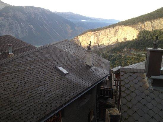 Albinen, Suiza: Lever du jour, du balcon de la suite