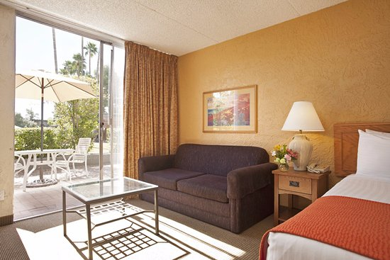 Arizona Riverpark Inn: King Guestroom