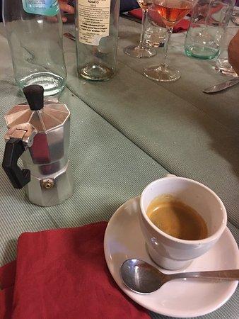 La Lumacheria: Dolci e caffè ottima qualità
