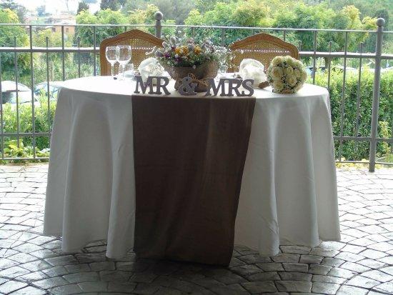 Matrimonio Civile Trevignano Romano : Tavolo sposi picture of ristorante il frantoio