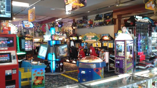 Long Beach, WA: Its a clamming weekend! Come to Funland before you go for games and Laser Tag! Open 10-10 #Funla