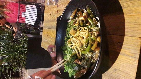 Distrito de Tel Aviv, Israel: Vegiterian noodles