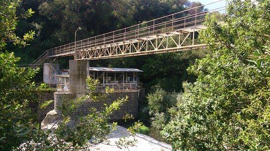 Francavilla di Sicilia, อิตาลี: Brua ved den nedlagte kraftstasjonen