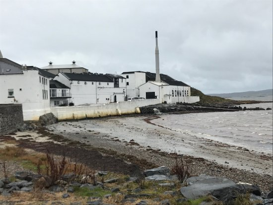 Bowmore Distillery: photo6.jpg