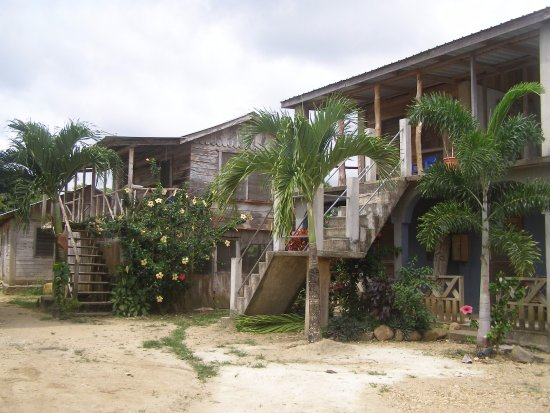 Stann Creek, Belize: Tutzil Nah rooms and Dining