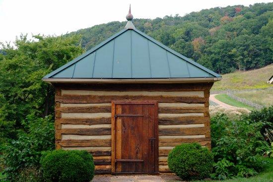 Sperryville, VA: Mt_Vernon_SmokeHouse_large.jpg