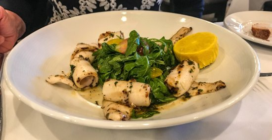 grilled suid calamari salad with arugula