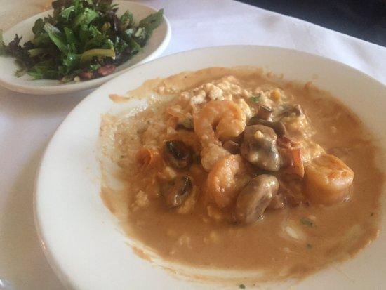 Upperline Restaurant: Shrimp and grits