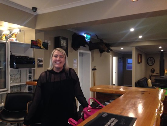 Taranaki Region, Nueva Zelanda: Our host at the Toko Tavern on the Forgotten World Highway