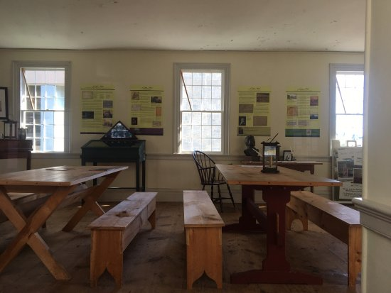 Nathan Hale Schoolhouse: photo3.jpg