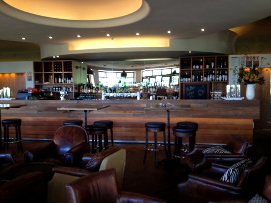 Killara, Australia: Porticio's bar and lounge area