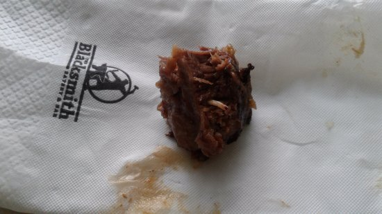 Takanini, Nieuw-Zeeland: A maggot in a piece of our meat
