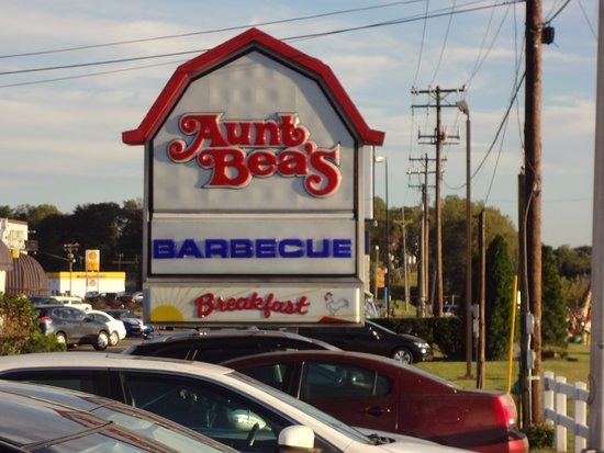 Aunt Bea's: Sign