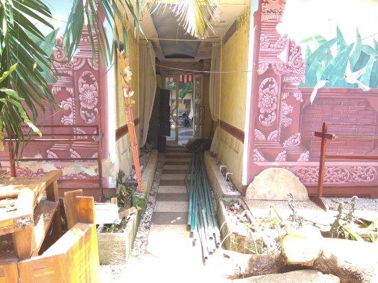 Puri Wisata Bungalows: IMG_20171006_124448_large.jpg