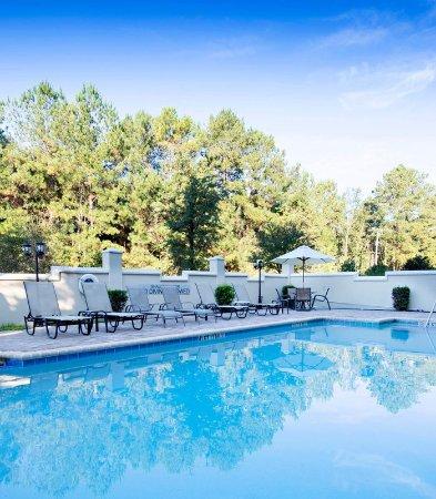 Fairfield Inn & Suites Charleston North/Ashley Phosphate: Outdoor Pool