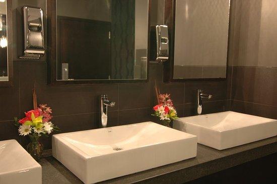Delta Hotels by Marriott Edmonton Centre Suites  Washrooms. Washrooms   Picture of Delta Hotels by Marriott Edmonton Centre